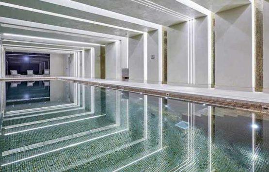 бассейн в элитной новостройке Лондон